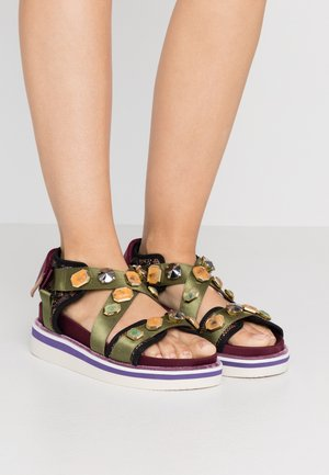 Sandály na platformě - green