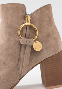 See by Chloé - Ankle boots - taupe - 2