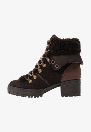 Platform ankle boots - grafite