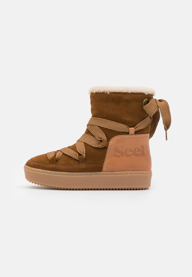 Plateaustiefelette - light brown