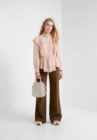 See by Chloé - Spodnie materiałowe - smoked brown - 1