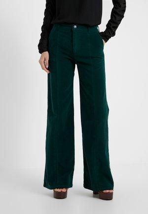 Spodnie materiałowe - nightfall green