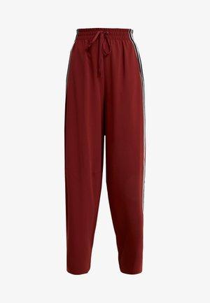 Spodnie materiałowe - boyish red