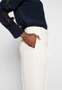 See by Chloé - Pantalon classique - natural white - 3
