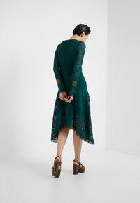 See by Chloé - Korte jurk - lightless green - 2