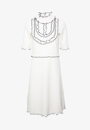 Sukienka z dżerseju - iconic milk