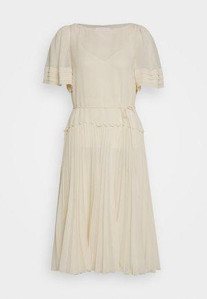 Day dress - angora beige
