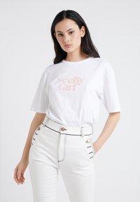 See by Chloé - T-shirt z nadrukiem - white/ powder - 0