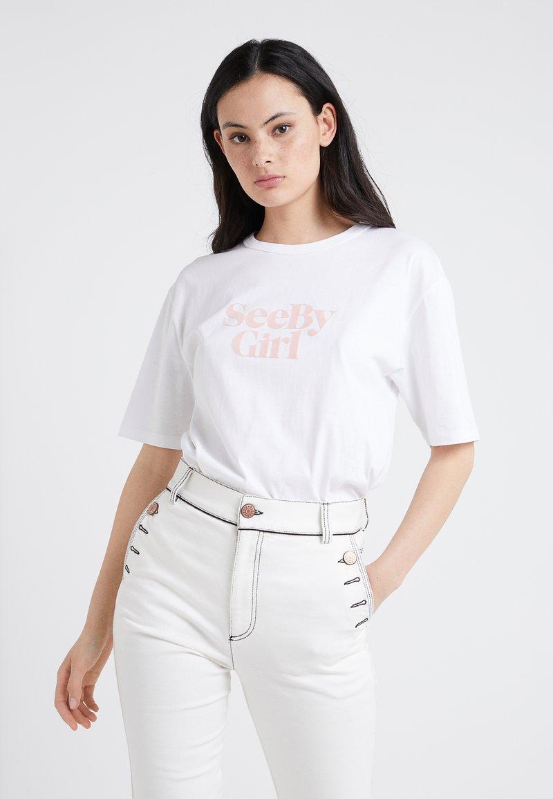 See by Chloé - T-shirt z nadrukiem - white/ powder