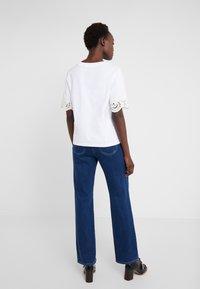 See by Chloé - T-shirt med print - white powder - 2