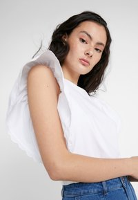 See by Chloé - Print T-shirt - white powder