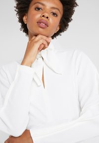 See by Chloé - Blus - iconic milk - 4