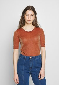 See by Chloé - T-shirt imprimé - misty red - 0