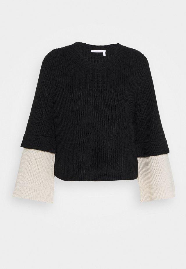 Stickad tröja - white/black