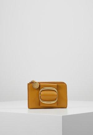 HOPPER WALLET SMALL - Monedero - burnt yellow