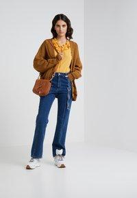 See by Chloé - HANA SMALL - Across body bag - caramello - 1