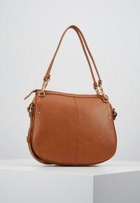 See by Chloé - HANA SMALL - Handbag - caramello - 2