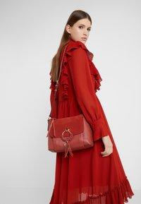 See by Chloé - JOAN - Bolso de mano - faded red - 1