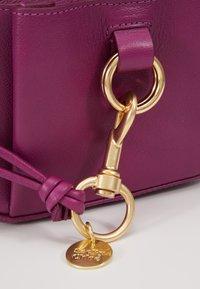 See by Chloé - TONY - Sac bandoulière - pulpy purple - 6