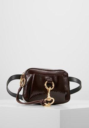 BELTBAG - Bæltetasker - burgundy