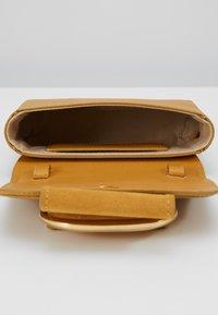 See by Chloé - HOPPER - Across body bag - burnt yellow - 5
