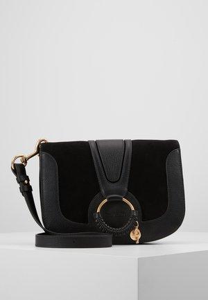 HANA MEDIUM - Across body bag - black