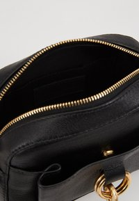 See by Chloé - TONY CROSSBODY - Across body bag - black - 5