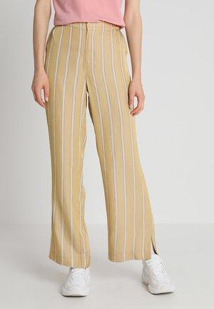 MERIL TROUSERS - Trousers - sesam