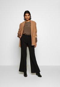 Second Female - HONNY TROUSERS - Pantalones - black - 1