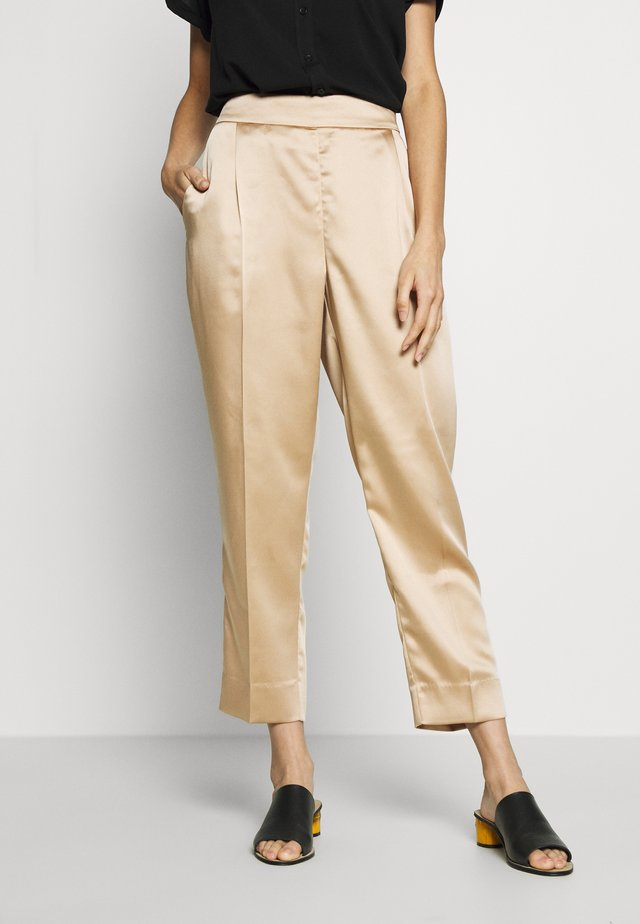 ORION TROUSERS - Bukser - cuban sand