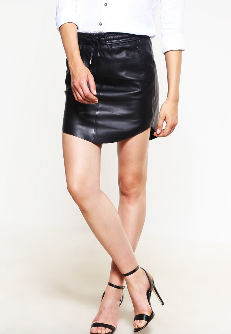 Second Female - PRIL - Kožená sukně - black