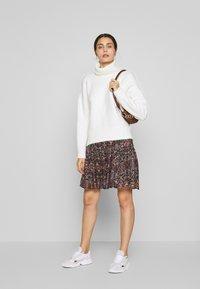 Second Female - SIGNE SHORT SKIRT - Mini skirt - black - 1