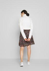 Second Female - SIGNE SHORT SKIRT - Mini skirt - black - 2