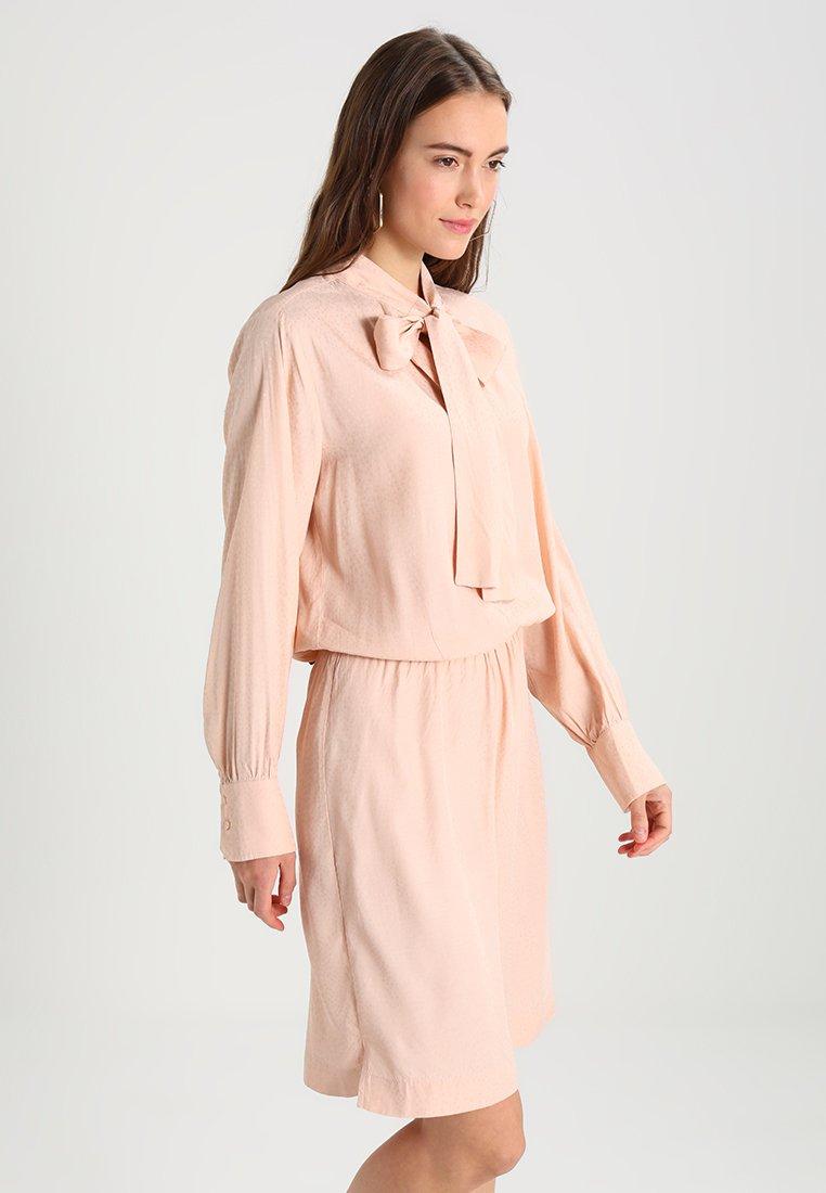 Second Female - LIMBA DRESS - Freizeitkleid - cameo rose