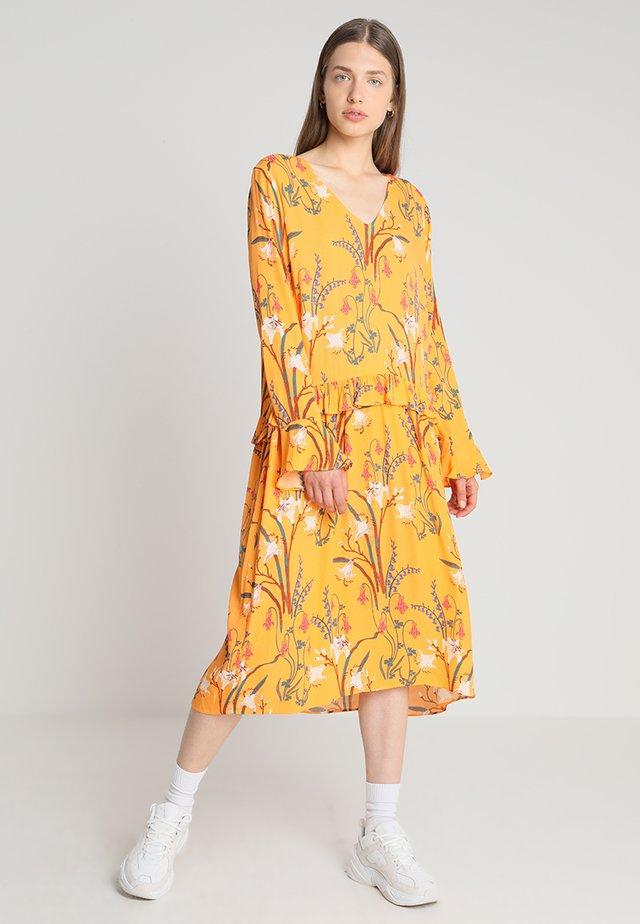 MORRIS DRESS - Maxi dress - apricot