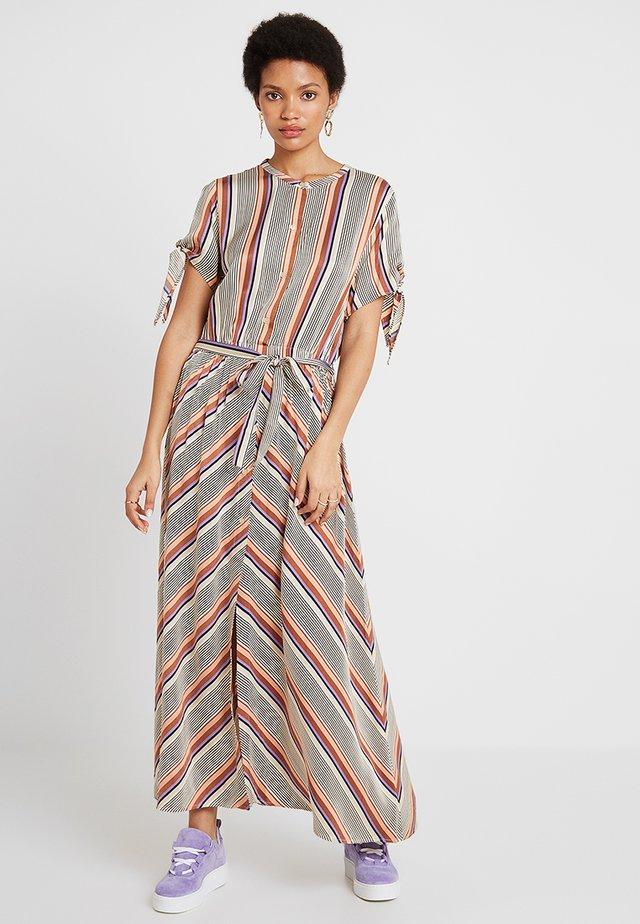 SLOW DRESS - Maxiklänning - brown partina