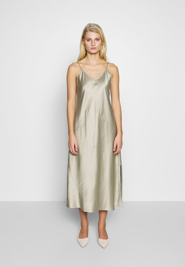 ARZUR SLIP DRESS - Korte jurk - abbey stone