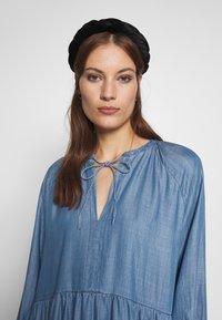 Second Female - DRESS - Vardagsklänning - blue denim - 3