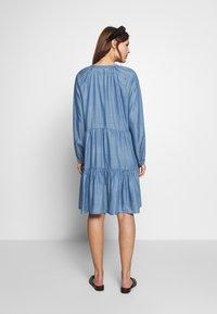 Second Female - DRESS - Vardagsklänning - blue denim - 2