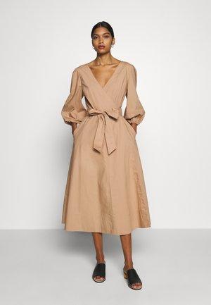 PHOEBE WRAP MIDI DRESS - Day dress - praline