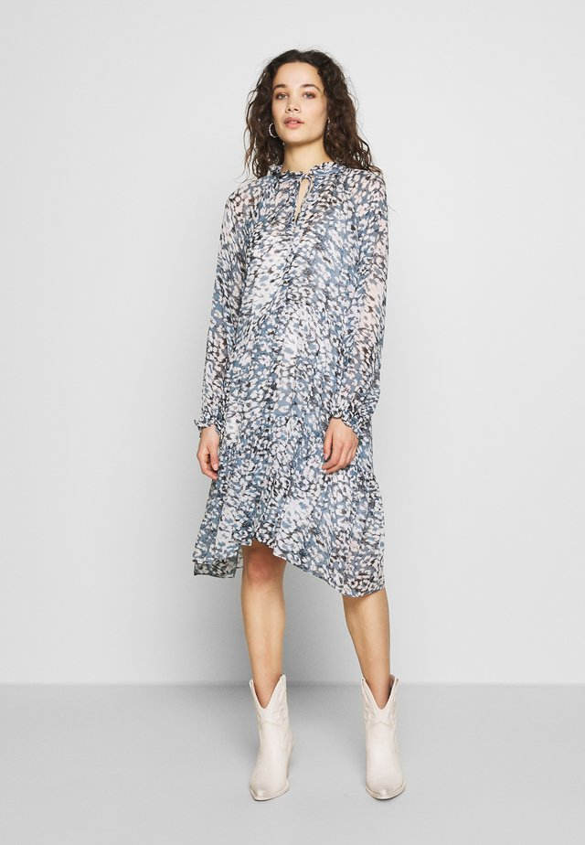 CLOUDS MIDI DRESS - Korte jurk - faded denim
