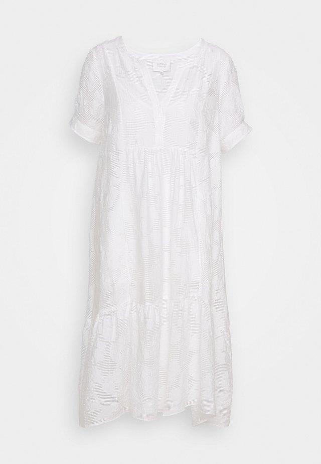 MILA MIDI DRESS - Vapaa-ajan mekko - white alyssum