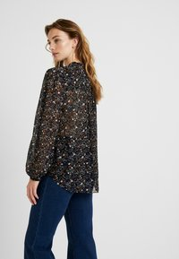 Second Female - GENTLY BLOUSE - Blouse - black - 2