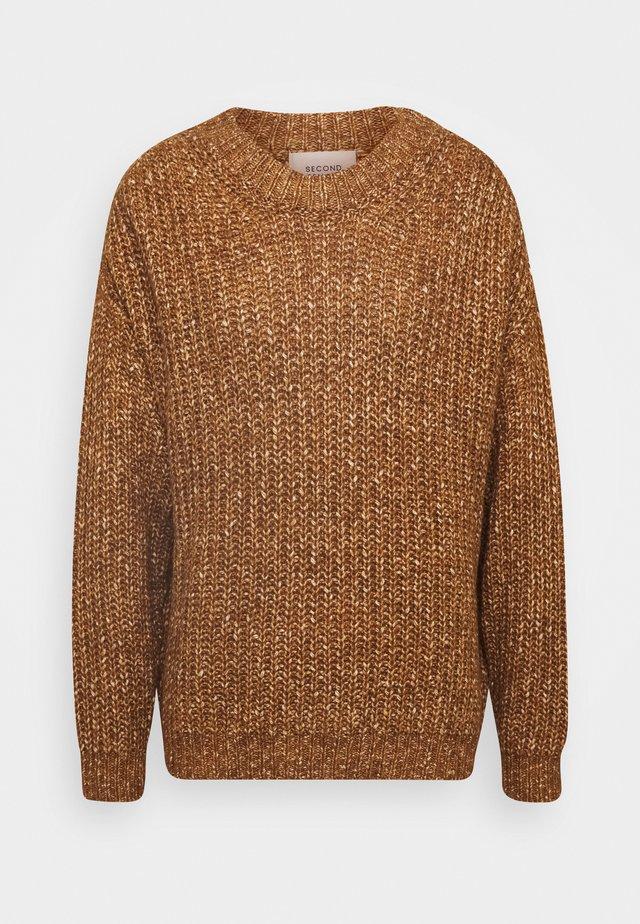 PAVILLA O-NECK - Stickad tröja - ginger root