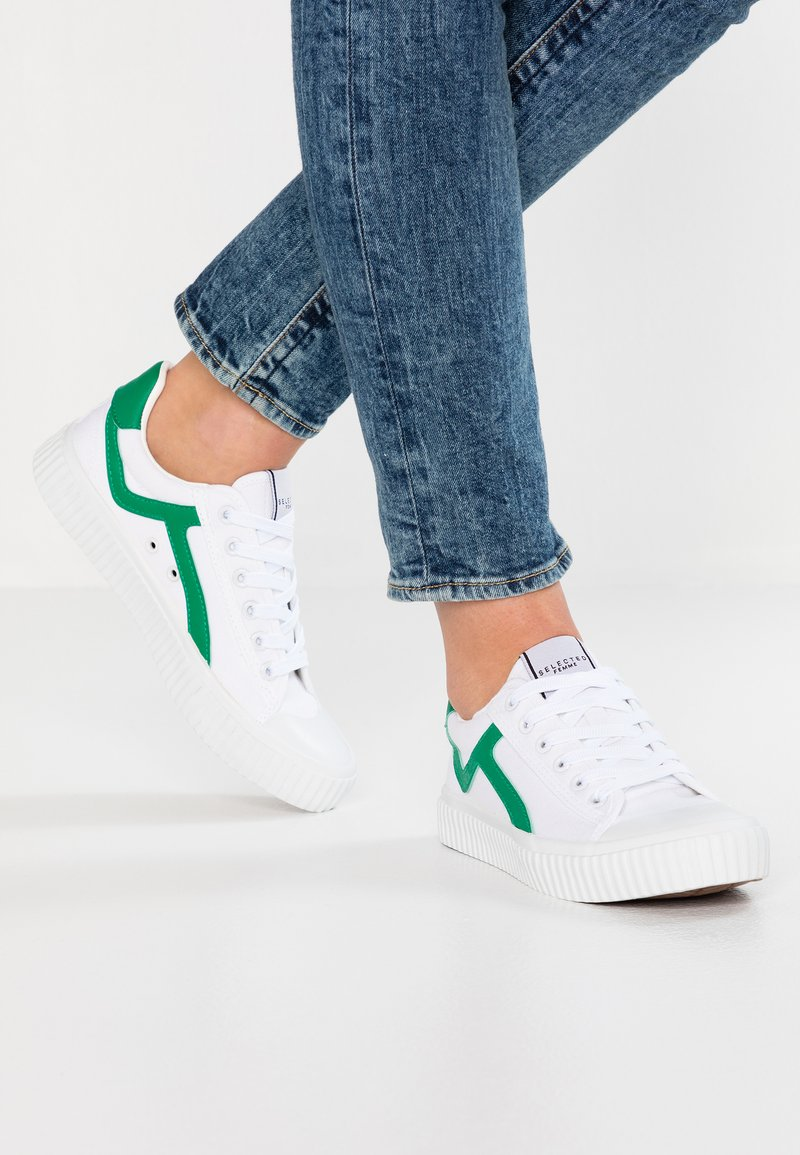 Selected Femme - SLFERICA TRAINER - Trainers - gumdrop green