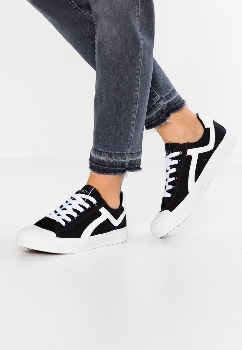 Selected Femme - SLFERICA TRAINER - Trainers - black