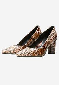 Selected Femme - Klassieke pumps - brown - 2