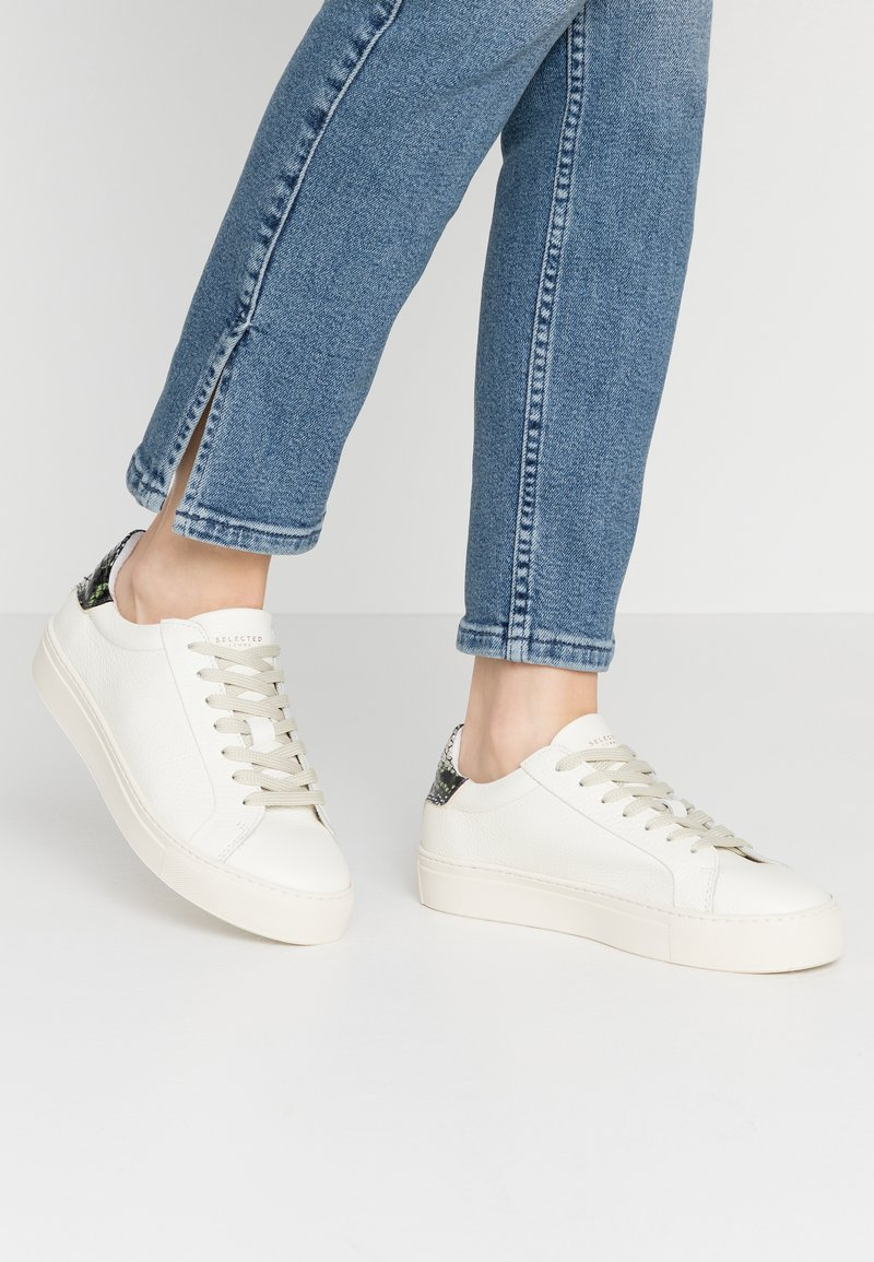 Selected Femme - SLFDONNA NEW CONTRAST TRAINER  - Sneakers laag - watercress