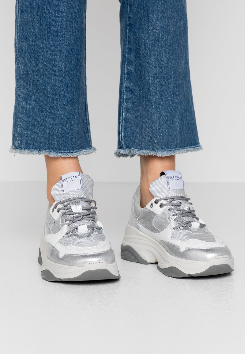 Selected Femme - SLFGAVINA TRAINER - Sneakers laag - silver