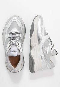 Selected Femme - SLFGAVINA TRAINER - Sneakers laag - silver - 3